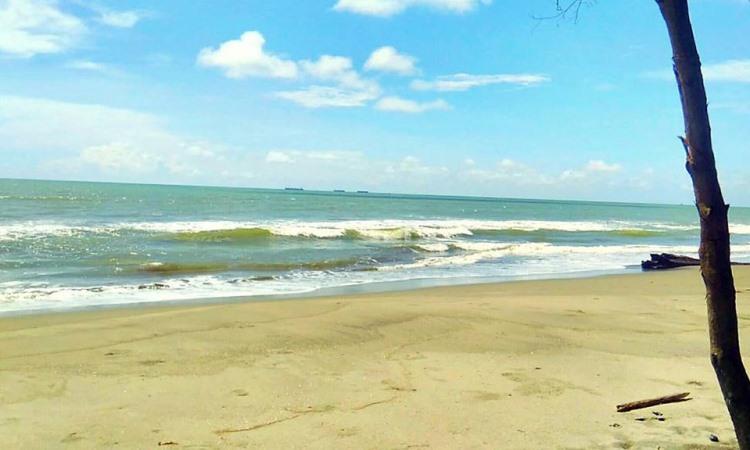 Pantai Indah Naga Permai