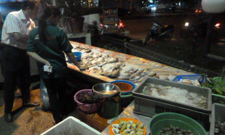 De Sampan Seafood & BBQ