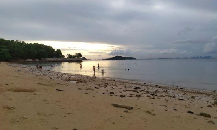 Pantai Tanjung Pinggir