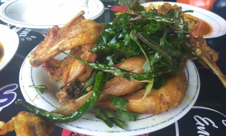Tempat Makan Ayam Pramugari
