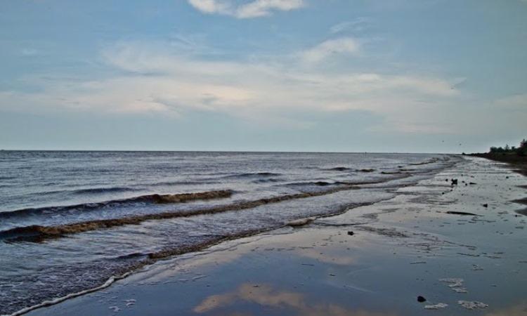 Pantai Air Hitam Laut (Mandi Safar)