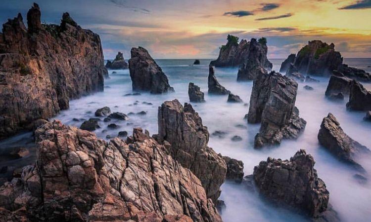 Pantai Gigi Hiu, Lampung