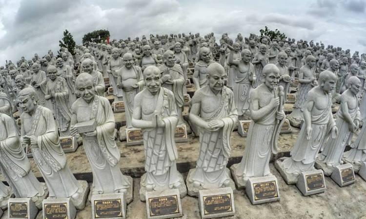 Patung Seribu, Kepulauan Riau