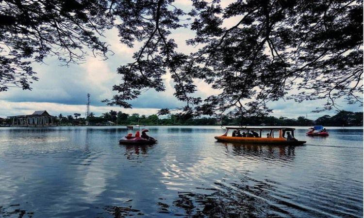 Wisata Danau Raja, Riau
