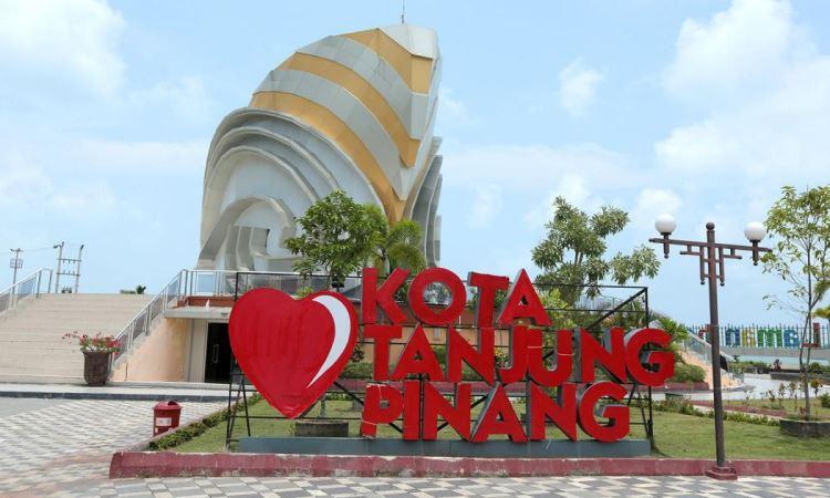 Wisata Pantai Tanjung Pinang