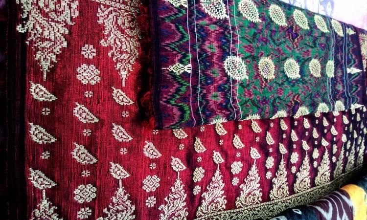 Batik dan Songket Durian