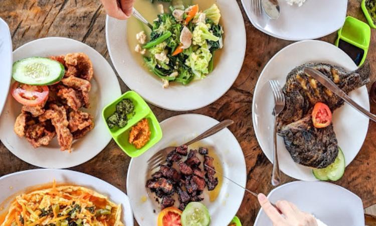 10 Restoran & Tempat Makan di Samosir yang Paling Enak