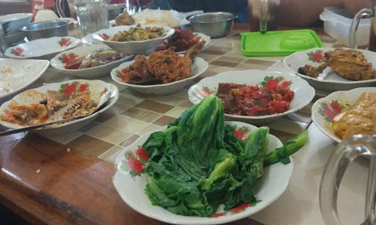 Rumah Makan Aur Duri