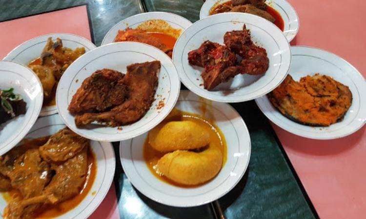 10 Restoran & Tempat Makan di Padang Panjang yang Paling Enak