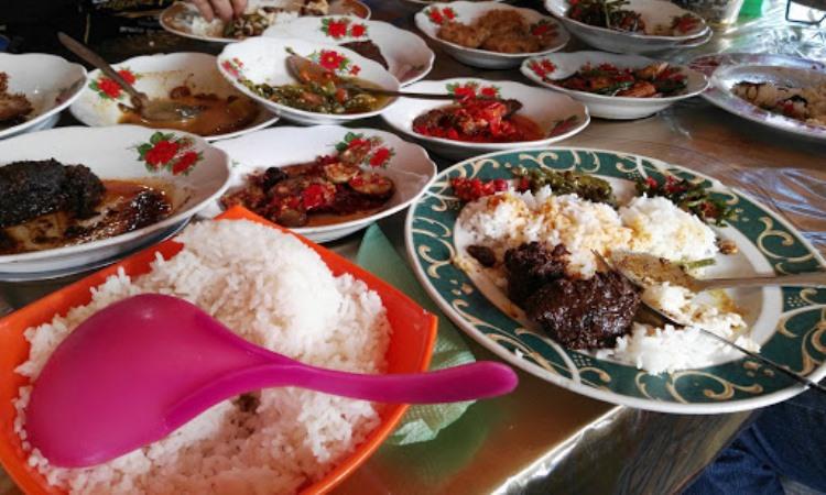 Rumah Makan Danau Kaco