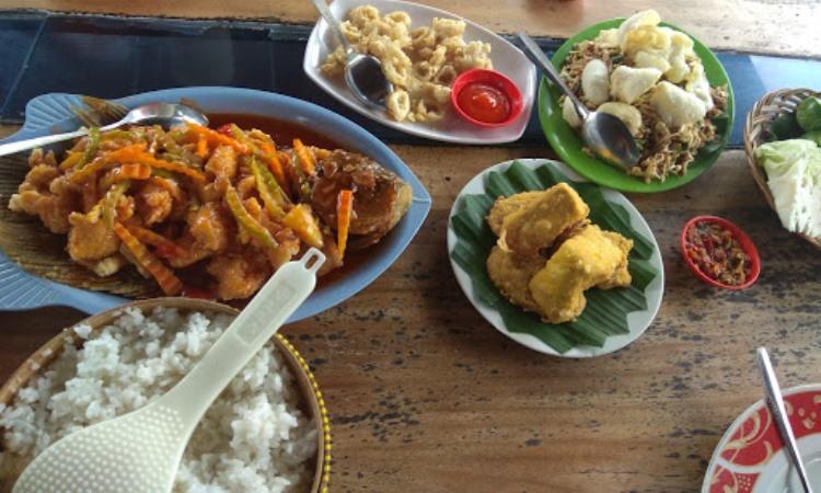 Saung Sewu Resto