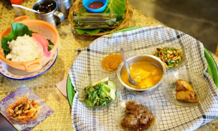 10 Restoran & Tempat Makan di Belitung Timur yang Paling Enak