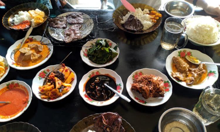 10 Restoran & Tempat Makan di Kerinci yang Paling Enak