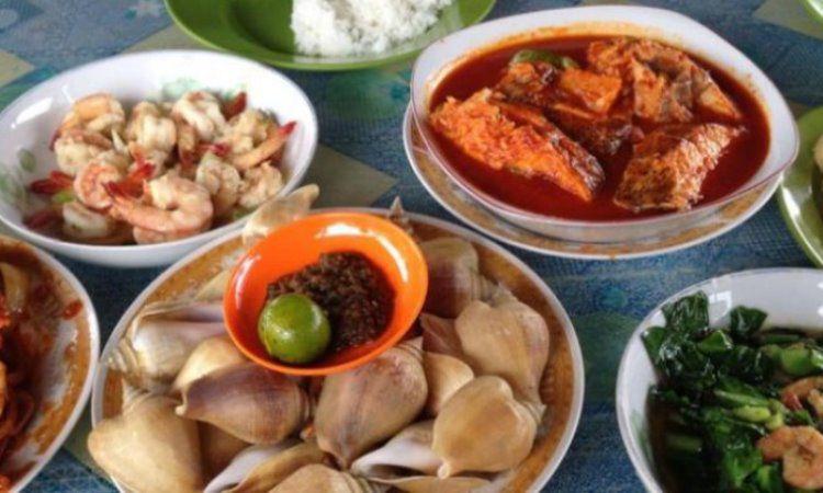 10 Restoran & Tempat Makan di Natuna yang Paling Enak