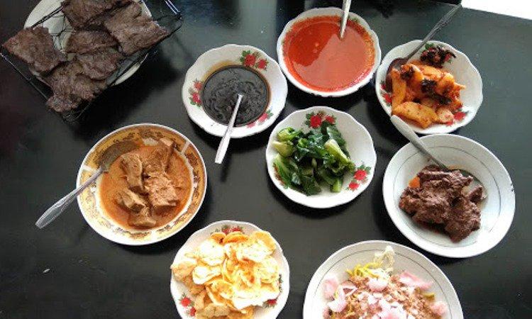 10 Wisata Kuliner di Kerinci yang Terkenal Enak & Wajib Dicoba