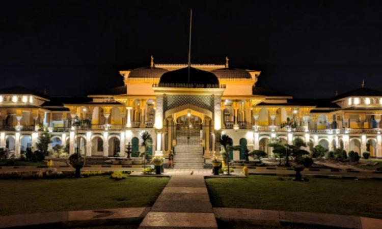 Alamat Istana Maimun