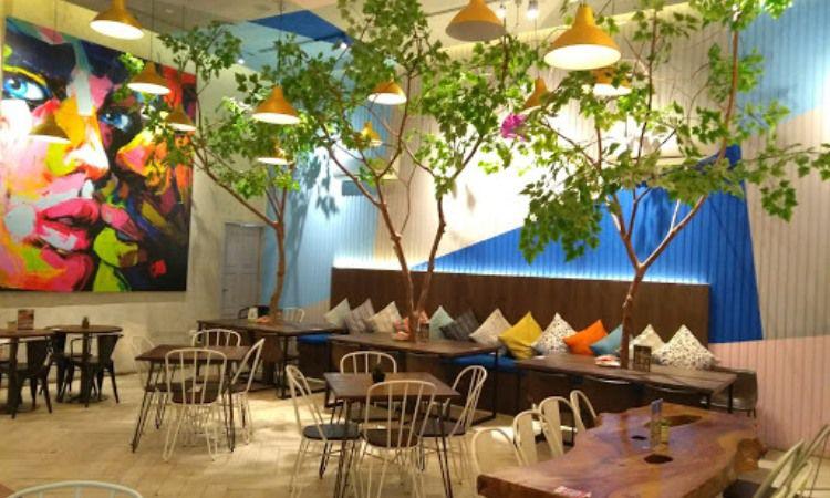 20 Cafe Tempat Nongkrong di Medan Paling Hits