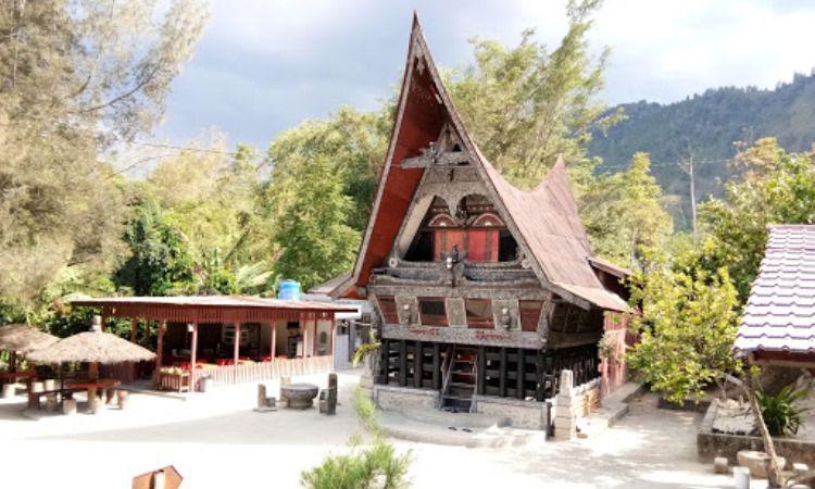 Daya Tarik Pulau Samosir