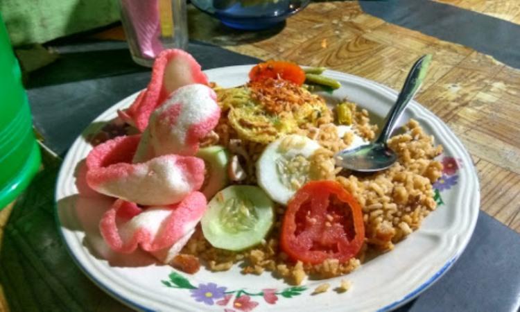 Nasi Ayam dan Nasi Goreng Si Des