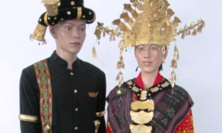 Pakaian Adat Suku Batak Angkola