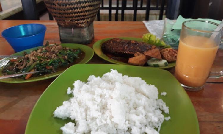 Rumah Makan Monggo