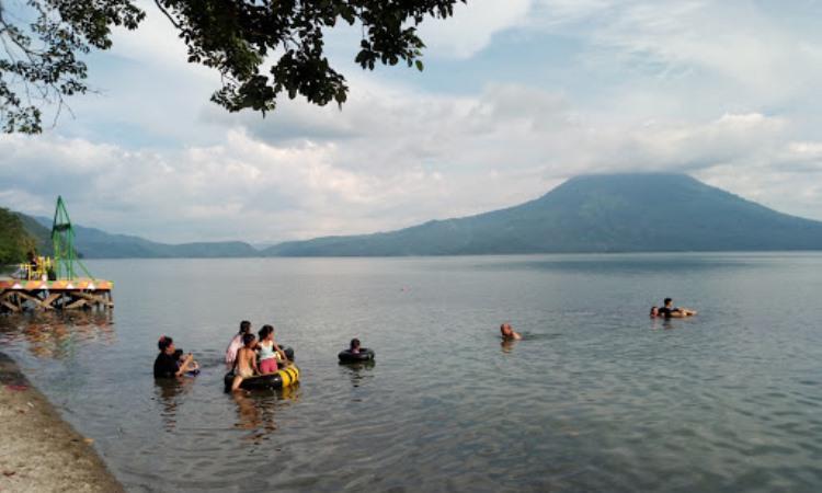 Kegiatan di Danau Ranau