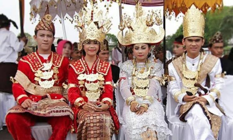 Keunikan Pakaian Adat Lampung