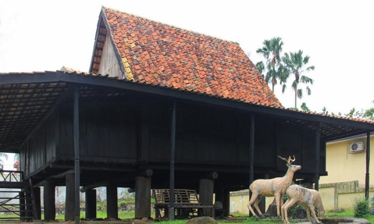 Rumah Adat Ulu