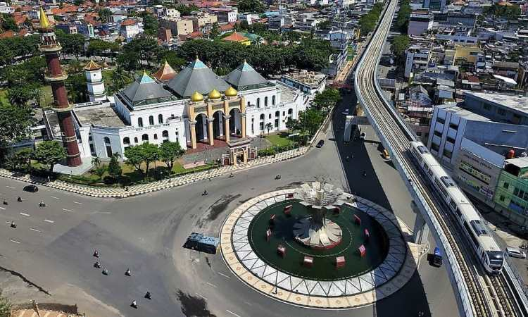Sejarah Masjid Agung Sultan Mahmud Badarudddin II