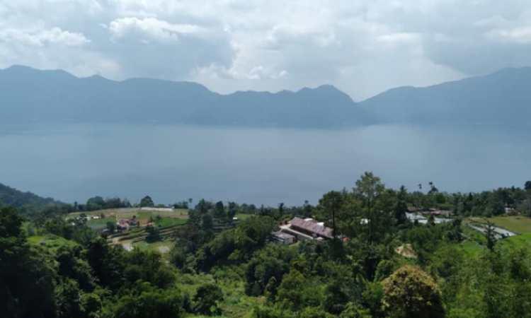 Alamat Danau Maninjau
