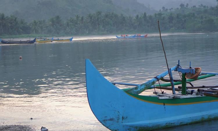 Fasilitas di Teluk Kiluan Lampung