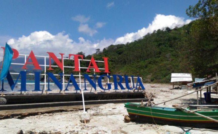 Pesona Keindahan Pantai Minang Rua di Lampung Selatan