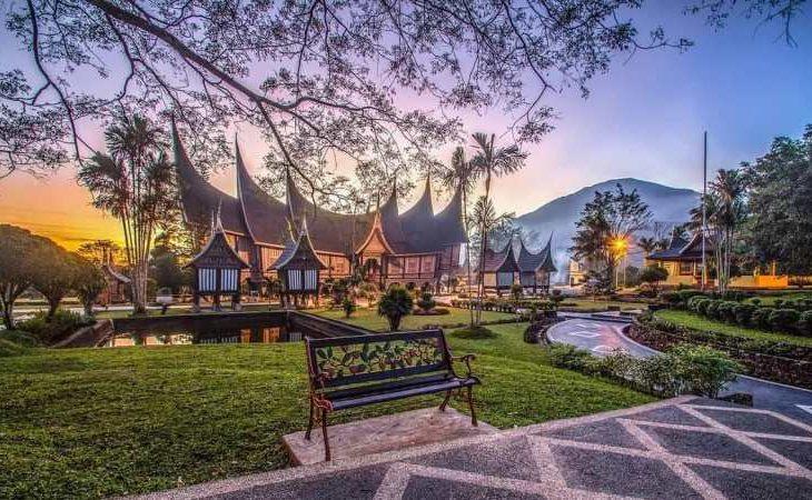 Rumah Gadang, Rumah Adat Tradisional Minangkabau