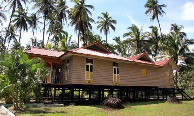6 Rumah Adat Riau & Keunikannya