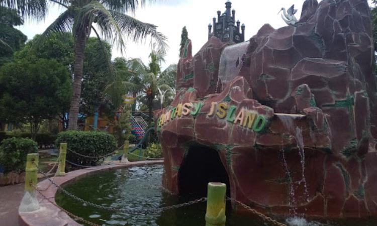 Daya Tarik Dimiliki Funtasy Island Waterpark