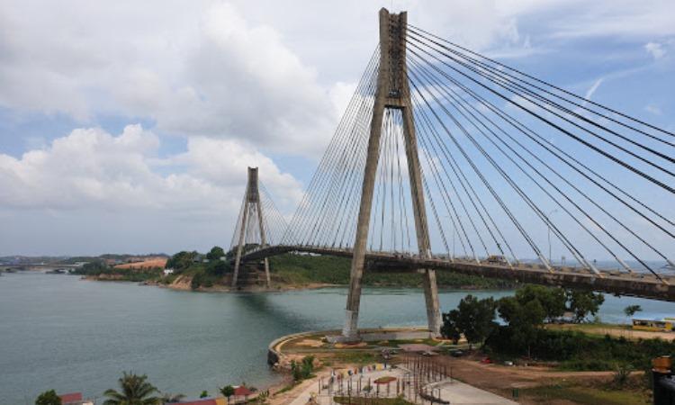 Daya Tarik Jembatan Barelang