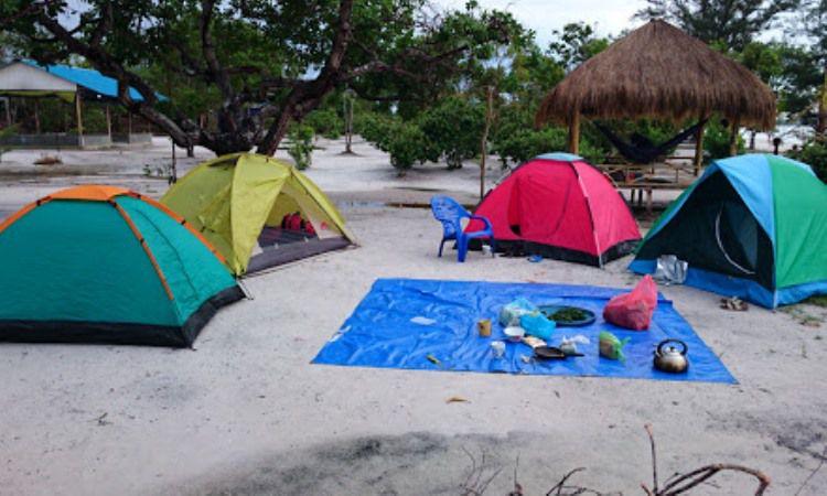 Kegiatan Menarik di Pantai Reviola