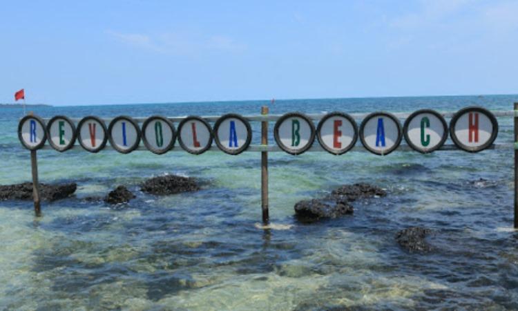 Pantai Reviola, Pantai Pasir Putih yang Menawan di Barelang Batam