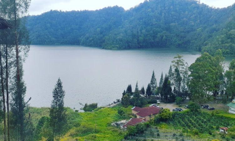 Alamat Danau Lau Kawar