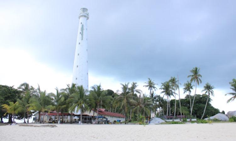 Daya Tarik Pantai Tanjung Kelayang