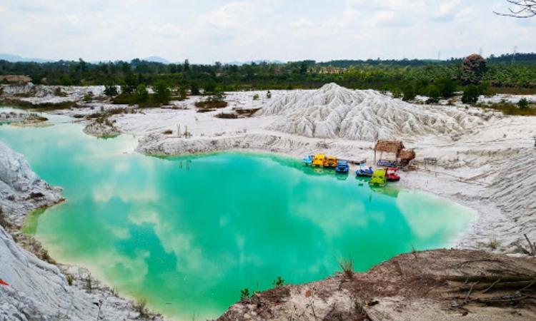 Fasilitas Danau Kaolin Belitung