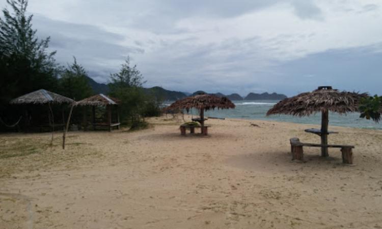 Fasilitas Pantai Lhoknga