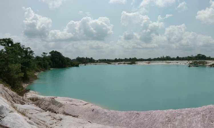 Harga Tiket Danau Kaolin Belitung