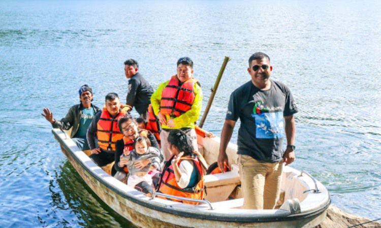 Kegiatan di Danau Lau Kawar