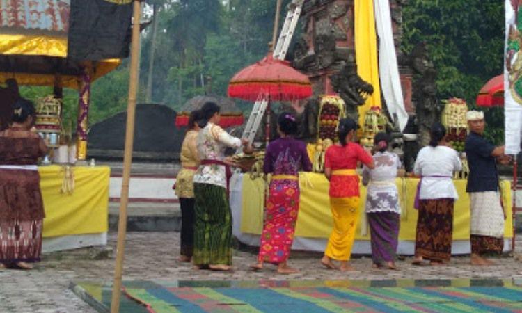 Kegiatan di Kampung Bali