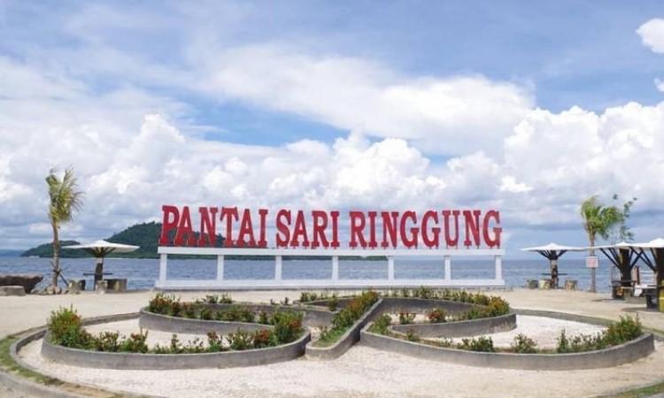 Pantai Sari Ringgung, Pantai Cantik dengan Pesona Masjid Terapung & Pulau Kecil
