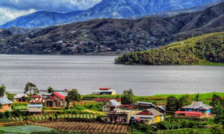 Danau Kembar, Danau Cantik yang Memanjakan Mata di Solok