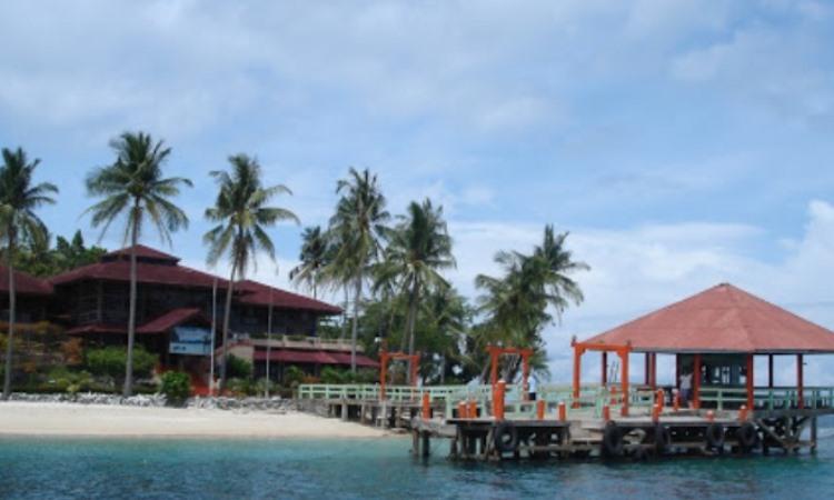 Fasilitas di Pulau Sikuai Padang