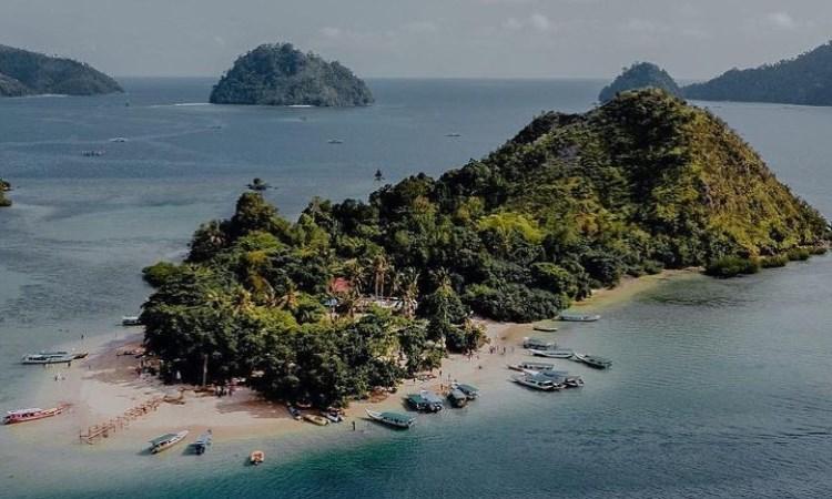 Daya Tarik Pulau Mandeh
