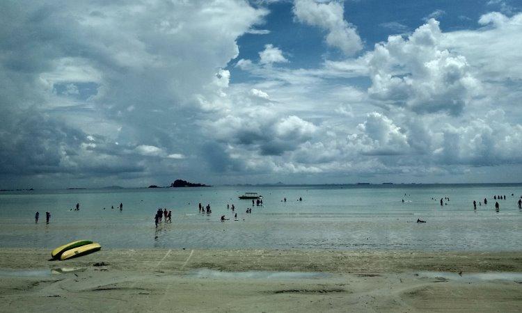 Kegiatan Dilakukan di Lagoi Bay